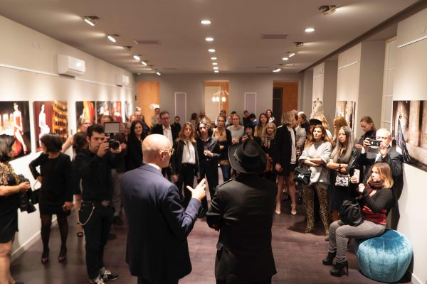VERNISSAGE Mostra Fotografica DRESSING UP MILANO by ANTONIO GUCCIONE